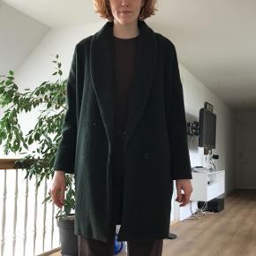 Rigtig lækker mørk grøn jakke fra Envii, er til at forhandle med :))