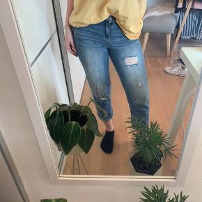 Lækre Calvin Klein bukser som aldrig er brugt. Det er en W:26, som svarer til en XS