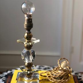 Smukkeste bordlampe købt i fil de fer