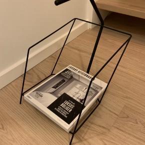 Magasinholder fra Bolia Kan ikke købes mere  Afhentes i Aarhus C