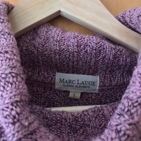 Sælger min højt elsket High Neck sweater fra Marc Lauge i en str L - simpelthen af den fineste kvalitet, så blød🌸 - Sælges billigt da jeg ikke får den brugt længere💞  Tjek gerne mine andre annoncer ud - sælger bl.a. samsøe samsøe og andet, til billige priser🌸