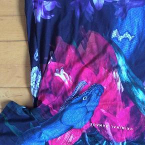 Varetype: T-shirt  som nye Farve: Se billeder Oprindelig købspris: 300 kr. pr stk  Lækre T-Shirt, brugt 1-2 gange  Str M.  Pris pr stk 100 pp