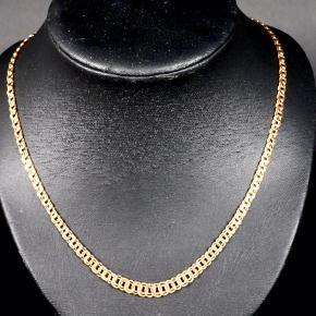 Flot guld halskæde i forløb , udført 8 karat guld karat guld med 2 sikkerhedslåse . Model : Bismark Designer : Gifa