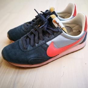 Fede Nike sneaks i god stand.