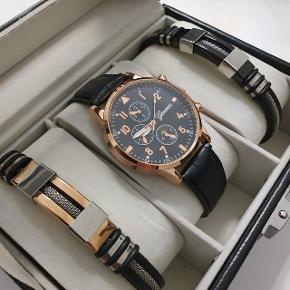 Gaveæske til ham (Pris: 300 kr)  2  x armbånd ( længde 21 cm)  1 x armbåndsur ( Lækkert og stilfuldt herreur fra Geneva sælges nyt/ubrugt. Uret er udstyret med Quartz urværk, hvilket man bruger i mange kendte urbrands. Længde 22 cm)  1 × læder gaveæske
