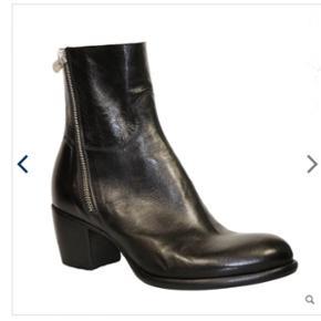 Super fede rocco P støvler sælges, da jeg ikke får dem brugt.Np 3999 kom med et bud