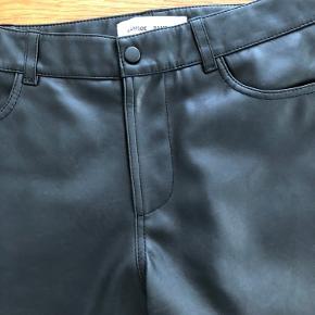 Vestine Trousers i læder.  Aldrig brugt