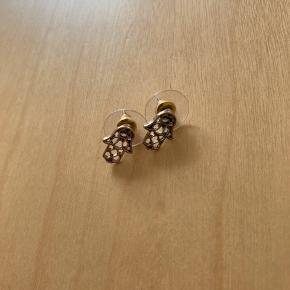 Fatimas Hånd øreringe 🤚  Ps Jeg bytter gerne, hvis du har noget spændende 🕵🏻♀️