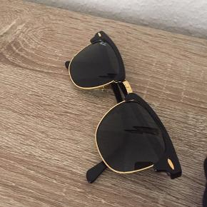 Stadig i rigtig flot stand :) solbriller fra Ray ban