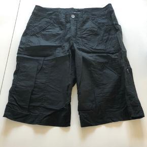 Nye shorts i elastisk stræk stof