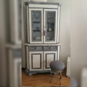Ancien vaisselier  relooké Hauteur 197 cm / Largeur 105 cm / Profondeur 37 cm