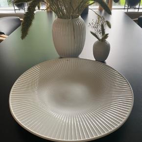 Lækker sæt - Hammershøi  Vase 20 - 10 cm  Og fad  Mp 650 pp Helst afhentning