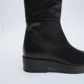 Sælger de her fine støvler fra zara da de desværre er for store. Der er stadig prismærke i. Har kun prøvet dem :-)  Nypris 899kr. Sælger for 600!