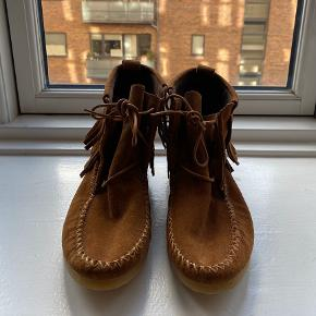 Zara TRF camel suede fringed mocassin ankle boots. Size 38. Perfect condition, never worn.