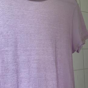 Lavendel farvet tee fra Envii.  Brugt 1 gang.