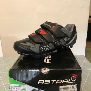 Astral sportssko