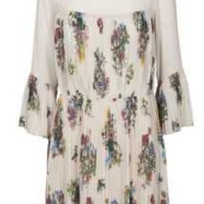 Super sød kjole 💕 Størrelsessvarende.