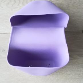 Sæbe/legetøj/vaskekluds holder til Karibu badekar.