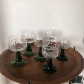 Rømer glas i flere størrelser   Er der nogen det er interesseret har flere end disse her   Vi finder en pris efter hvor mange der evt ønskes   Randers nv ofte Århus Ålborg København mm Til salg på flere sider