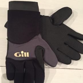 Gill Våd handsker str S. Sælger også våddragter og redningsveste