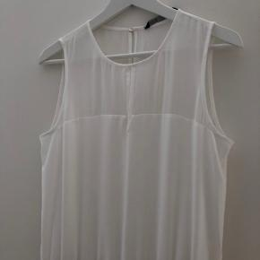 Elegant white jumpsuit from Zara.  ▫️size S ▫️see-through back & decolte ▫️open-back detail