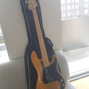 Electric bass. Fully functional.