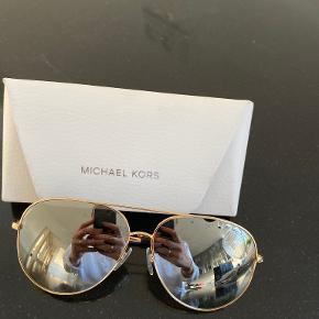Kors by Michael Kors solbriller