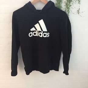 Sort hættetrøje fra AdidasStr 16 eller xs