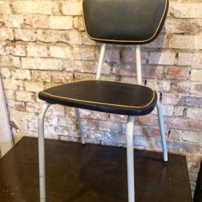 Retro stol sædet sidder løst