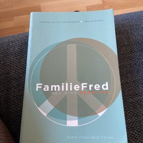 Læst en gang - uden overstregninger   Familiefred med dine forældre  Dansk psykologisk forlag