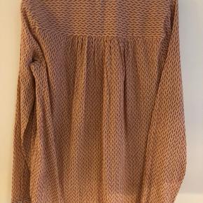 Sødeste bluse fra Neo Noir der aldrig er brugt