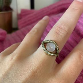 Ringen er fra mærket Joseph CPH Jewelry. Mener det er en str 54.