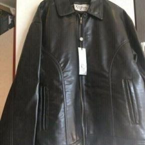 Progetto jakke str xl  -fast pris -køb 4 annoncer og den billigste er gratis - kan afhentes på Mimersgade 111 - sender gerne hvis du betaler Porto - mødes ikke andre steder - bytter ikke