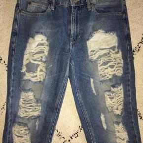 Global Funk ripped Mom Jeans, str. XS, nypris: 600kr, BYD