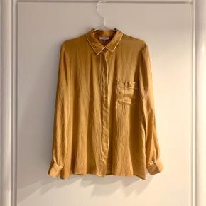 Fineste silkeskjorte fra Ganni. Brug få gange men fejler intet ✨