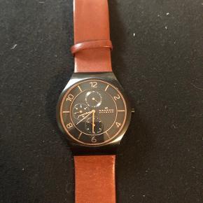 Skagen herre ur, næsten ikke brugt. Mangler dog nyt batteri.  Kan leveres i Kolding omegn