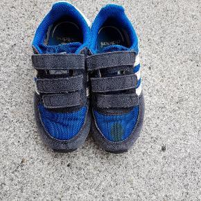 plet på den ene sko