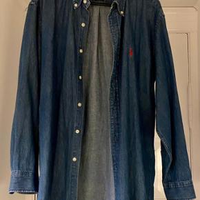 Vildt fed mørkeblå skjorte med rød Ralph Lauren logo🎈 Ingen tegn på slid