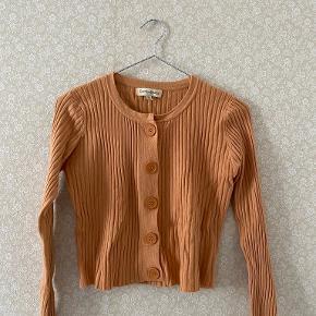 Verge girl sweater