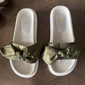 Replay sandaler