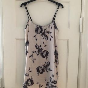 Topshop kjole
