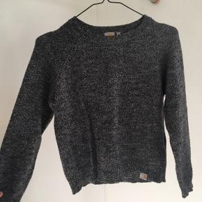 Carhartt sweater eller trøje som er gråmeleret. Str s men passes af xs/s