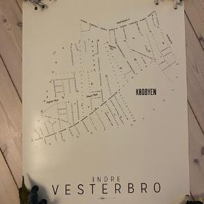 Flot plakat med alle vejnavne på Indre Vesterbro.  Ingen rifter eller buk.  God stand.  Str. 70*50