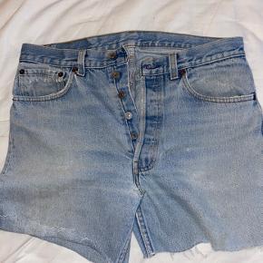 Retro levis bukser, som er klippet om til shorts 👖