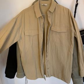 Sælger min envii skjorte, som aldrig er brugt. Den er super fin til udenover en t-Shirt og som en skjorte. Den fitter en m og større Byd:) Tjek ellers min profil, da jeg giver mængderabat:)