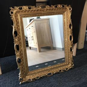 Fint spejl 57 x 67 cm. Byd😊Skal afhentes😊