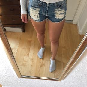 Cowboy shorts  Små i størrelsen passer xs/s  Afhentes 8000 Aarhus C  Sender også med Dao, køber betaler selv fragten.