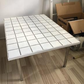 Hjemmelavet sofabord med klinker  104 x 73 x 3 cm