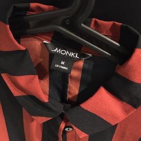 Skjorte kjole fra Monki.