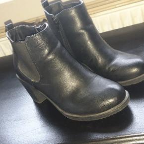 Støvler brugt 2 gange.